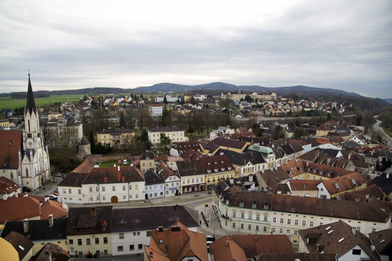 2815_overlooking_melk_from_the_abbey