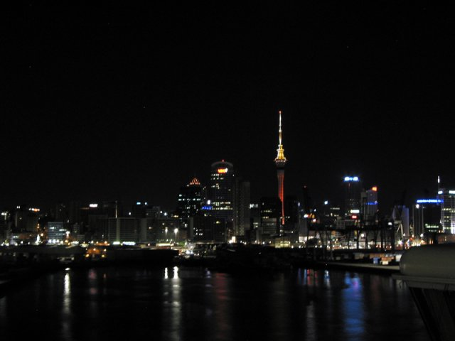 auckland_nz_at_night_800x600